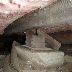 A missing crawl space support post in a Whitewater crawl space